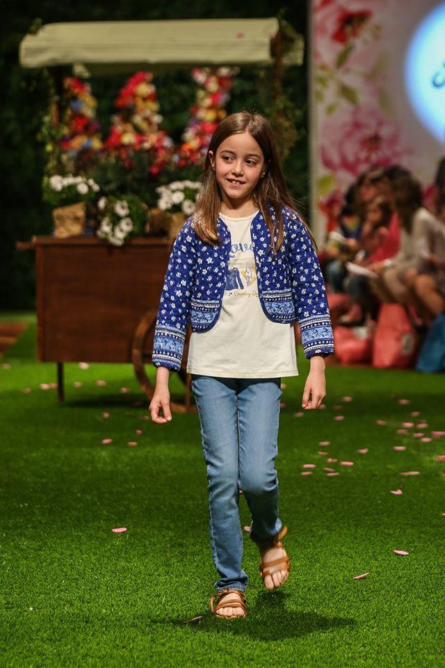 Charanga Petit Style Walking