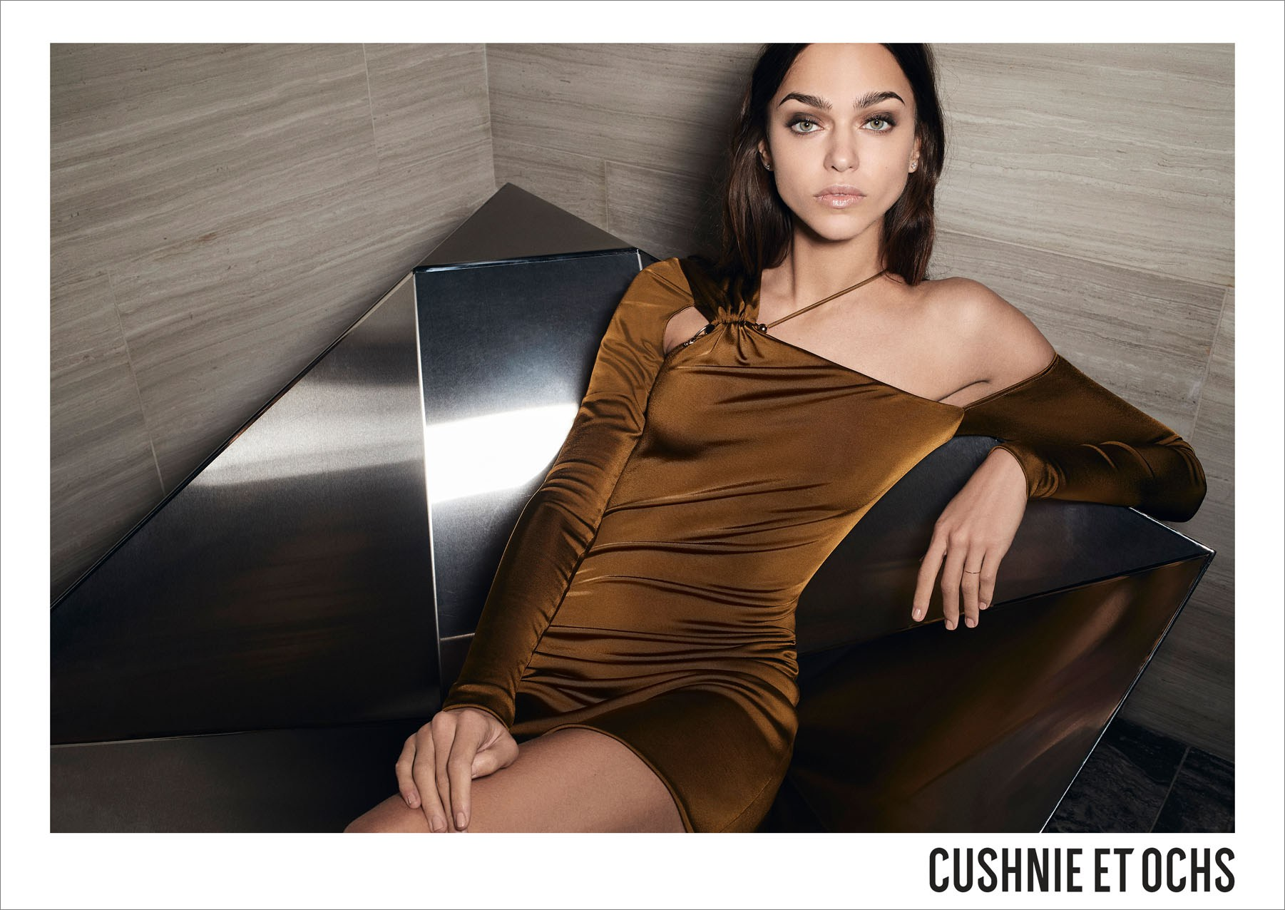 Cushnie-et-Ochs-resort-2018-ad-campaign-the-impression-06