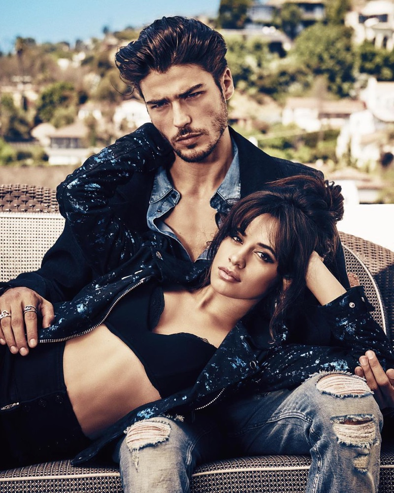 Guess-holiday-2017-ad-campaign-the-impression-03