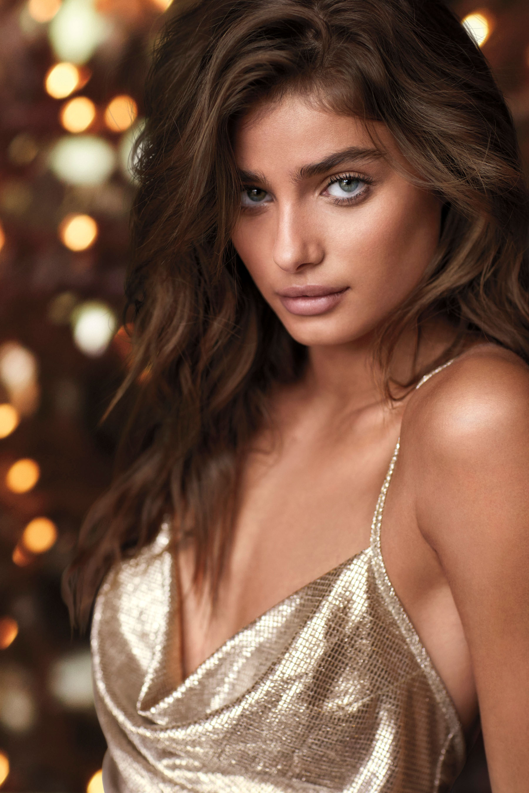 Victorias-Secret-holiday-2017-ad-campaign-the-impression-10