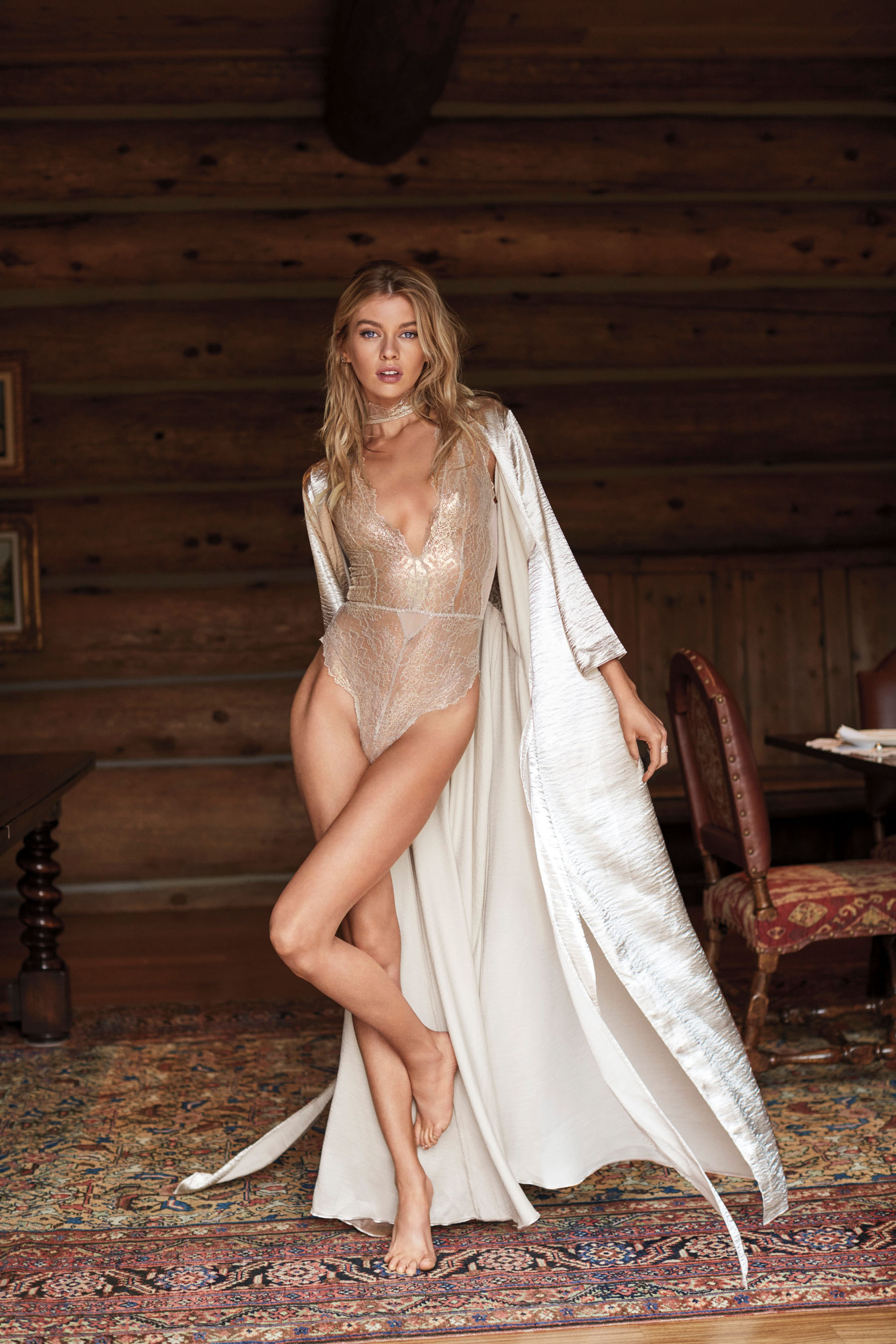 Victorias-Secret-holiday-2017-ad-campaign-the-impression-11